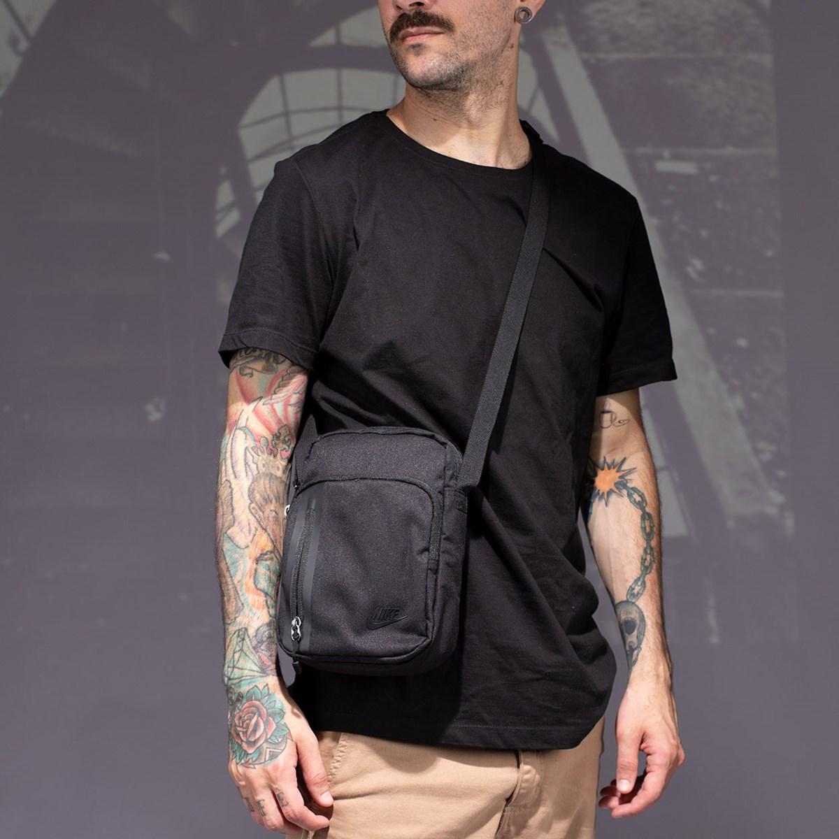 Bolsa Nike Tech Black BA5268-010
