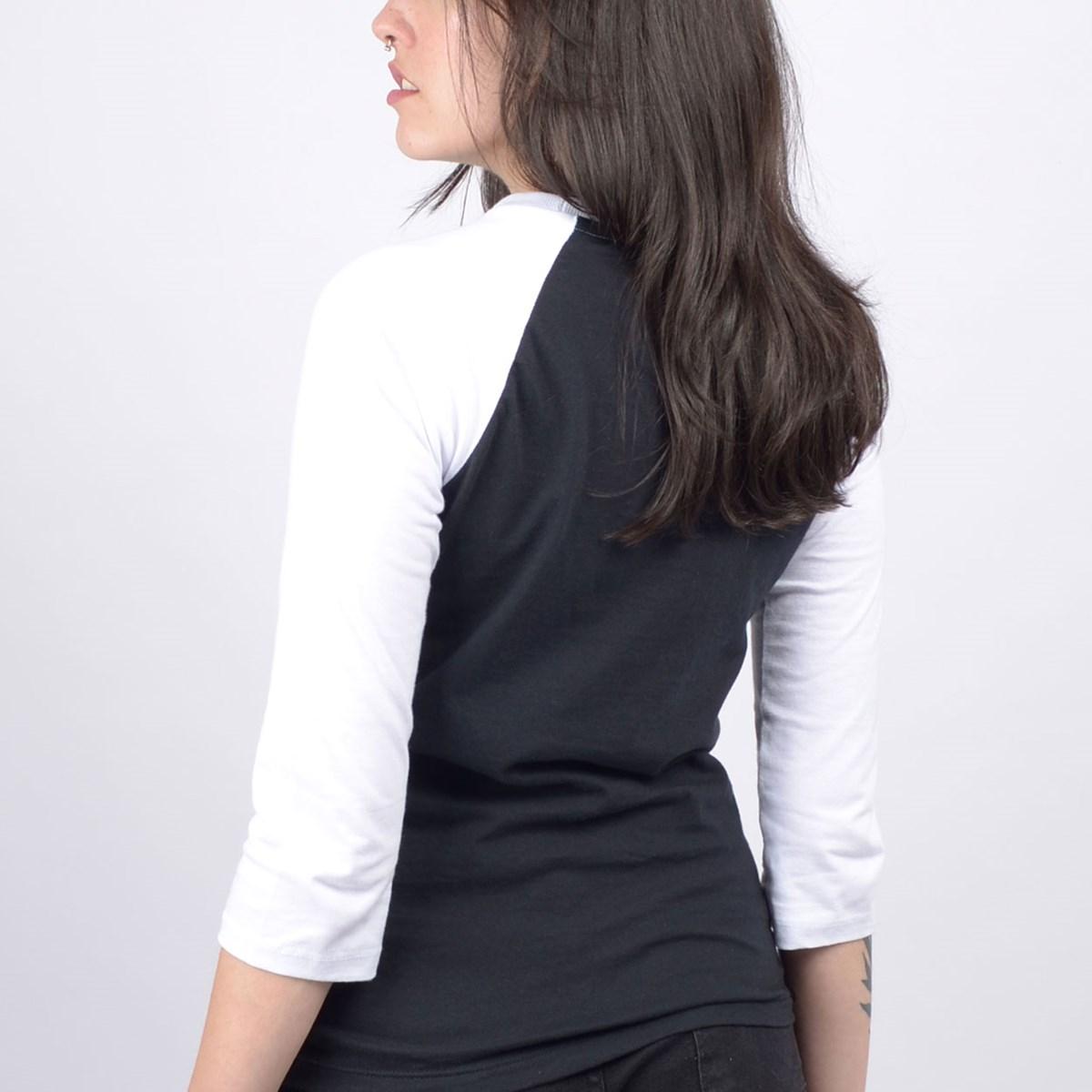Camiseta Vans Feminina Wm Flying V Raglan Black White VN0A4N52Y28