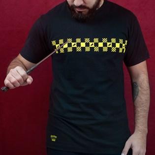 Camiseta Vans Masculina Harry Potter Hufflepuff SS Black VN0A45A8BLK
