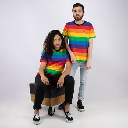 Camiseta Vans Pride Collection Stripe Boyfriend Tee Rainbow VN0A5FRSRNC