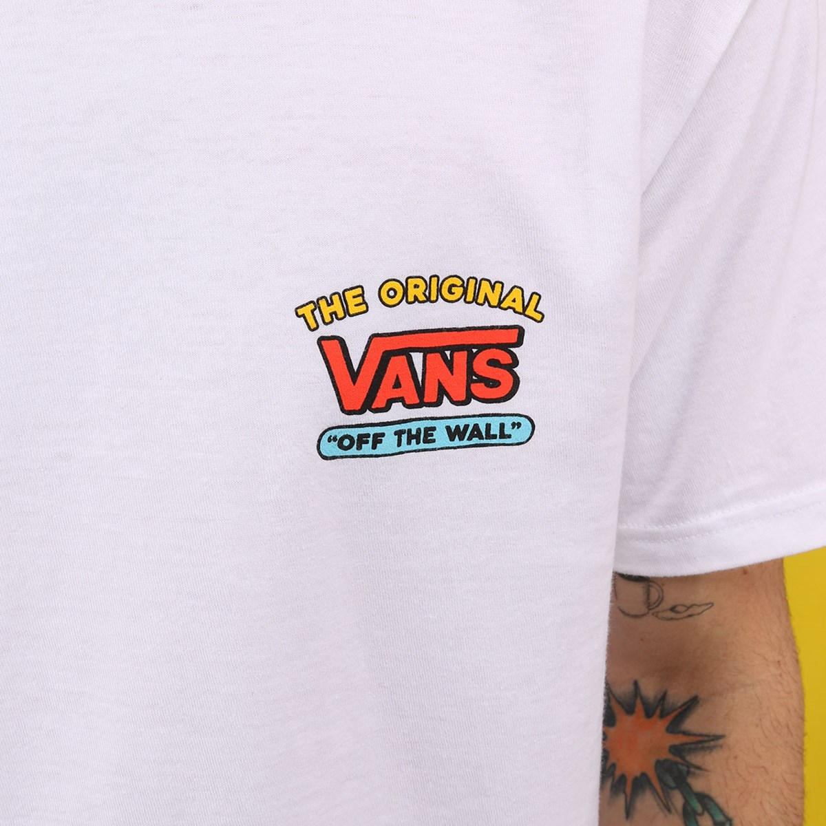 Camiseta Vans The Simpsons Family Manga Curta White VN0A4RTOZZZ