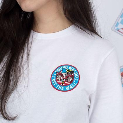Camiseta Vans Wheres Waldo Stamp Postage White VN0A544H3SJ