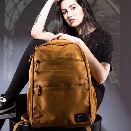Mochila Nike Utility Heat Brown CK2674-790