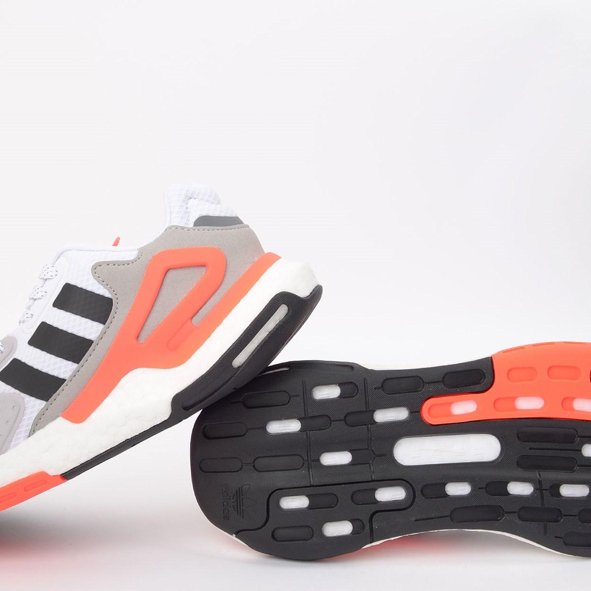 Tênis adidas Day Jogger Ftwr White Core Black Gray Two FW5229