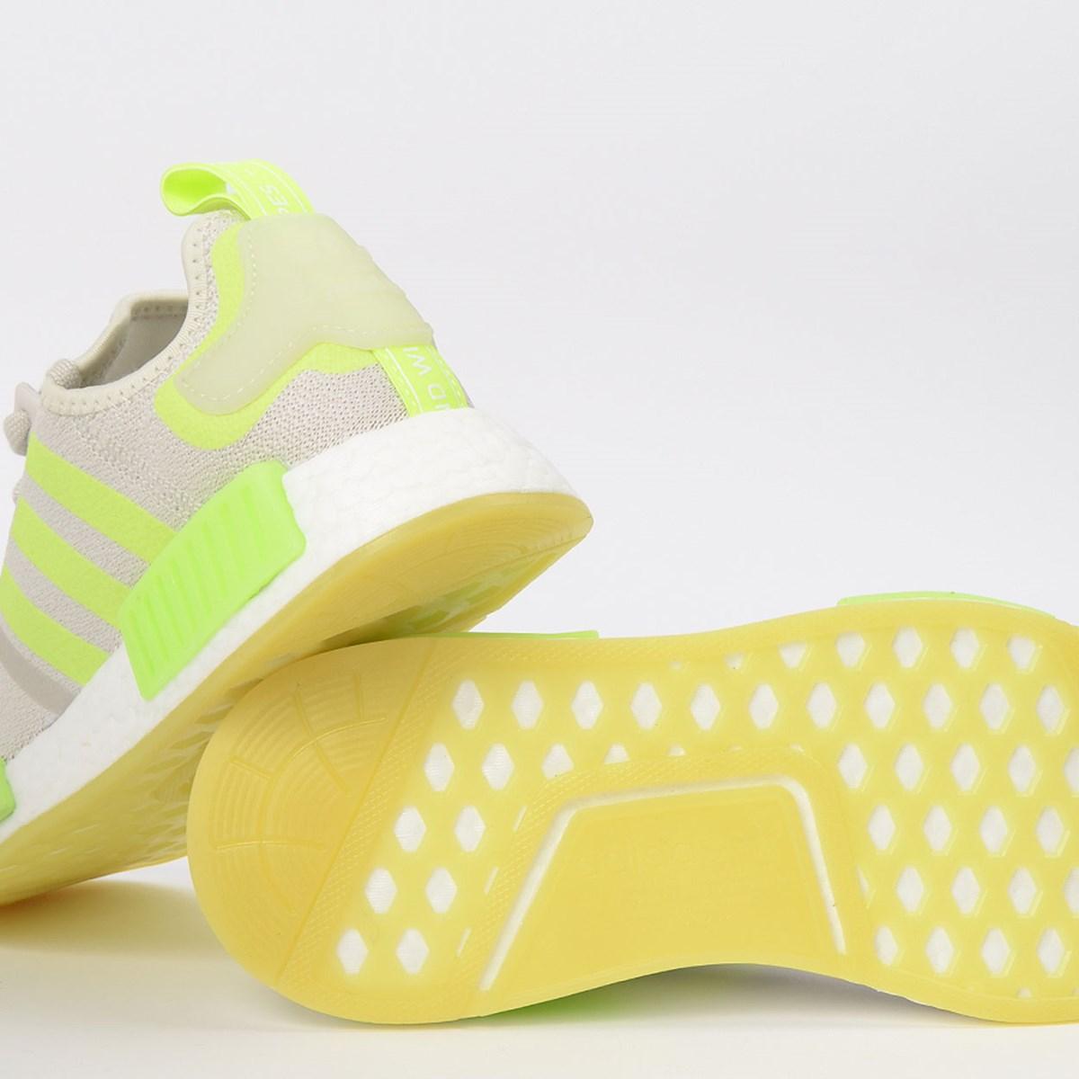 Tênis adidas NMD_R1 W Grey FV8731