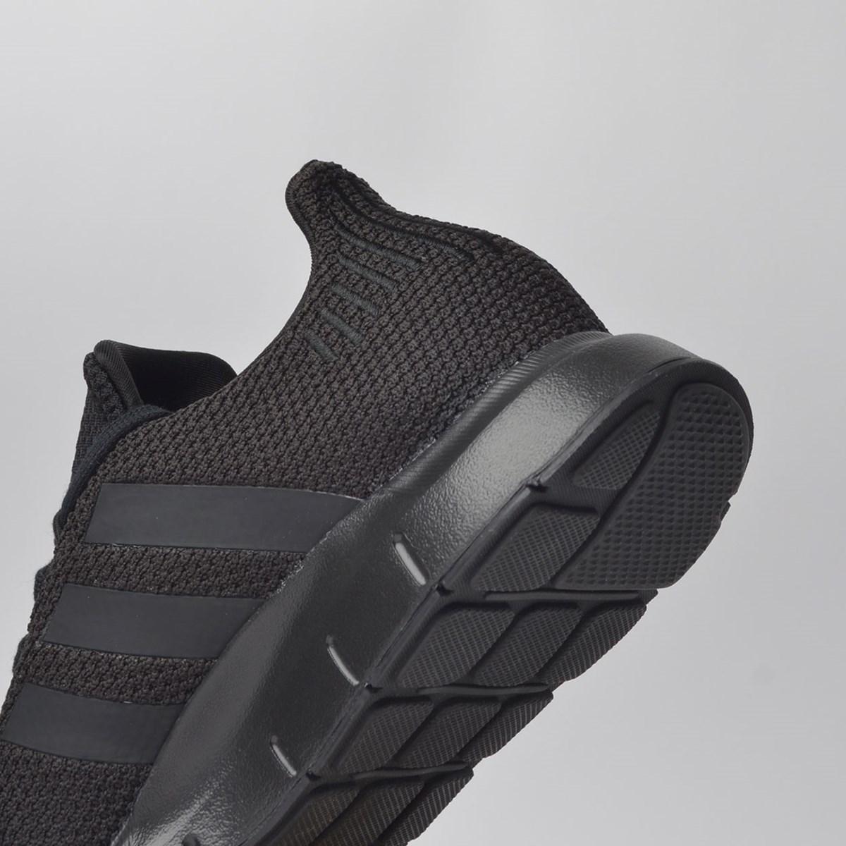 Tênis Adidas Swift Run Preto AQ0863