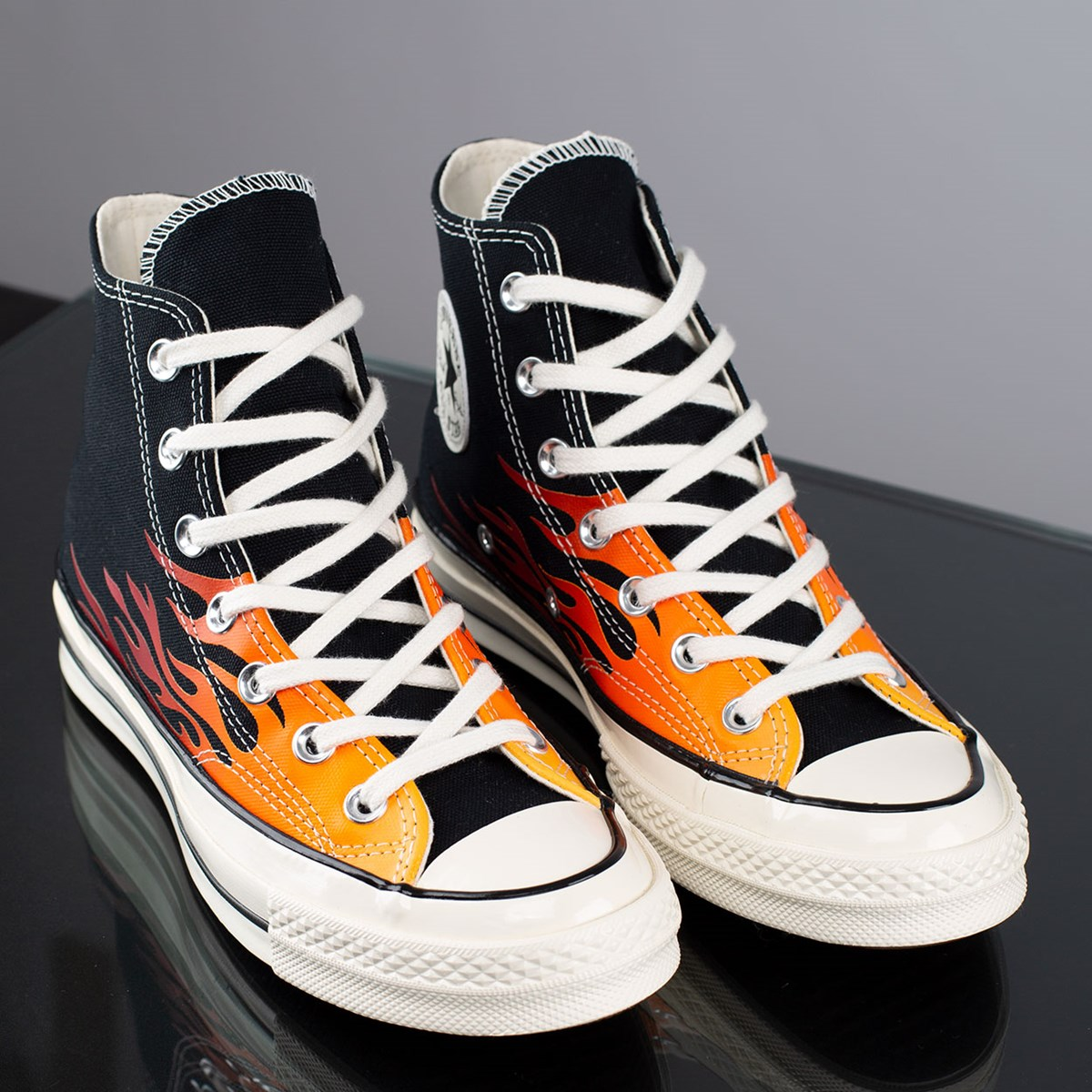 Tênis Converse Chuck 70 Hi Archive Prints Remixed Flames Black Enamel Red 165024C