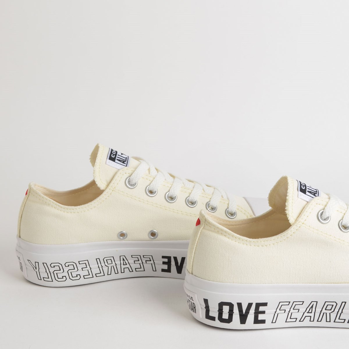 Tênis Converse Chuck Taylor All Star Love Fearlessly Platform Lift Ox Amendoa Branco CT13630001
