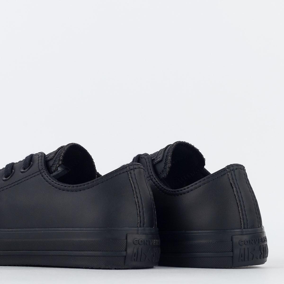 Tênis Converse Chuck Taylor All Star Monochrome Leather Ox Preto Preto CT08260002