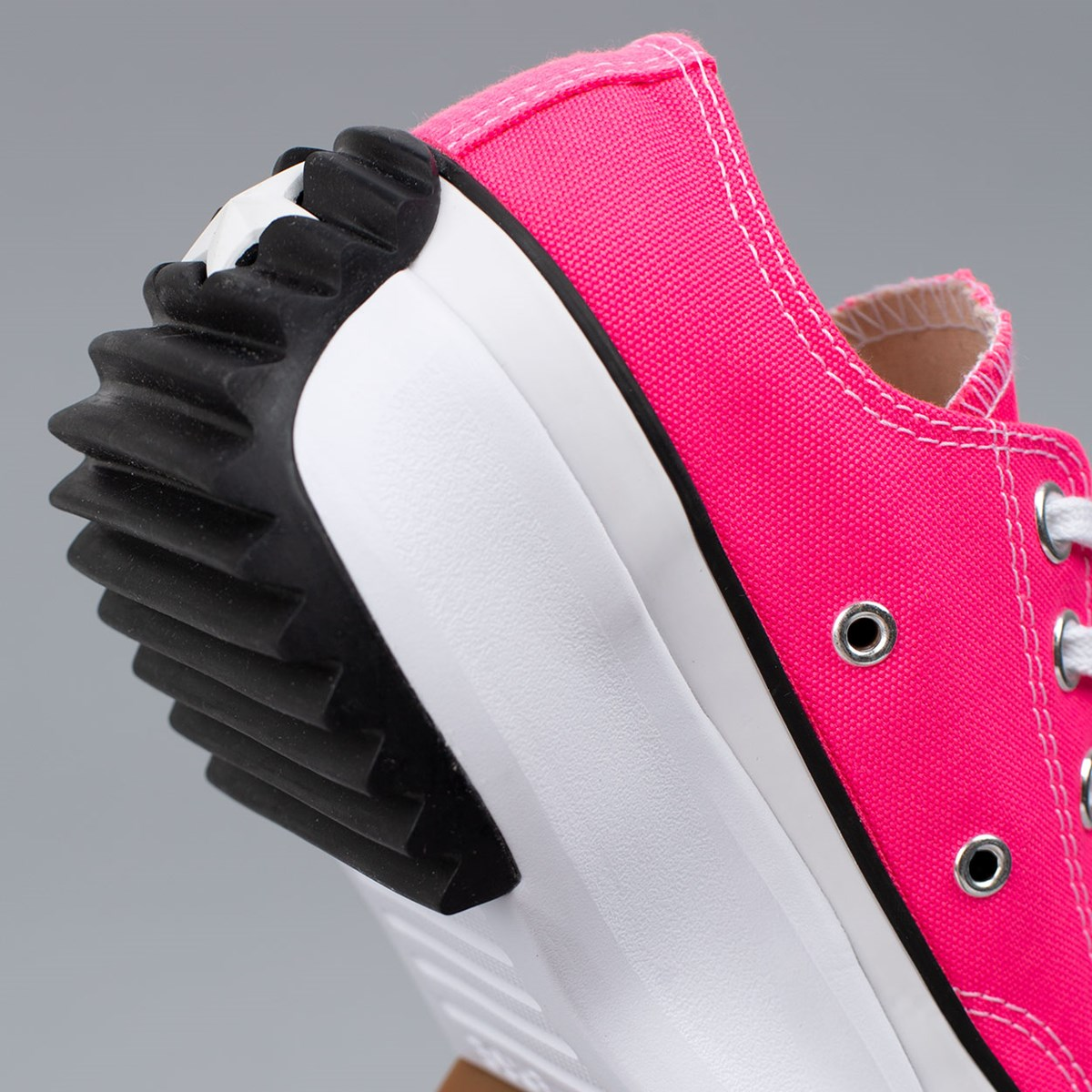 Tênis Converse Run Star Hike Ox Canvas Color Hyper Pink White Gum 170442C