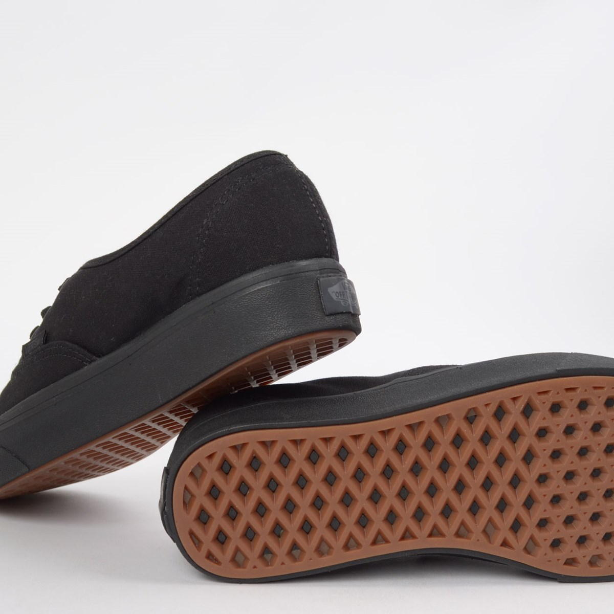 Tênis Vans Comfycush Authentic Classic Black Black VN0A3WM7VND
