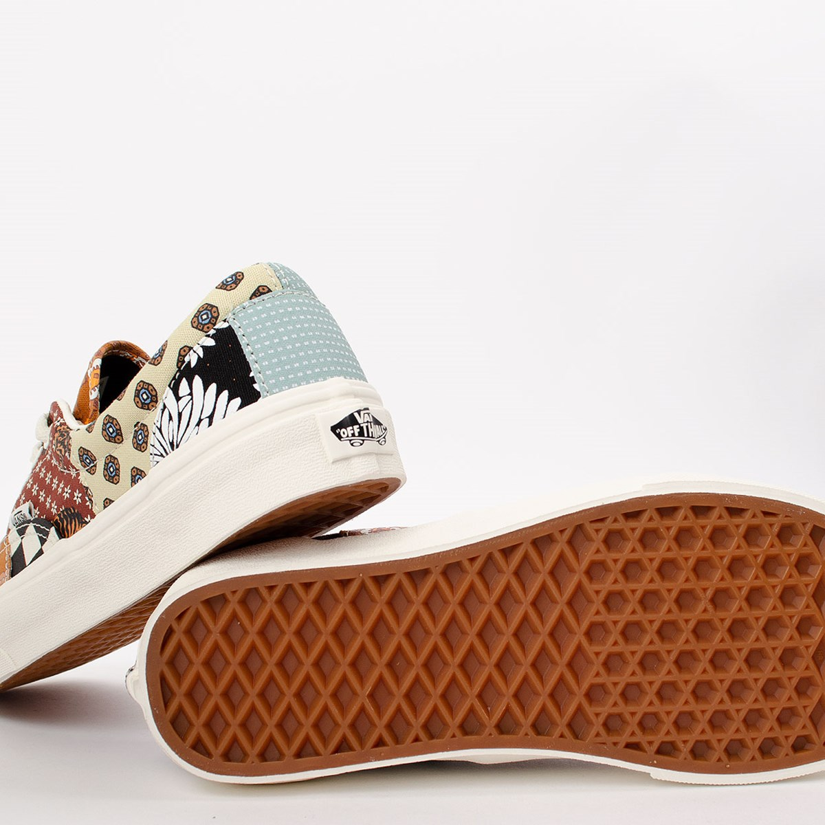 Tênis Vans Era Tiger Patchwork Black True White VN0A4U391IO