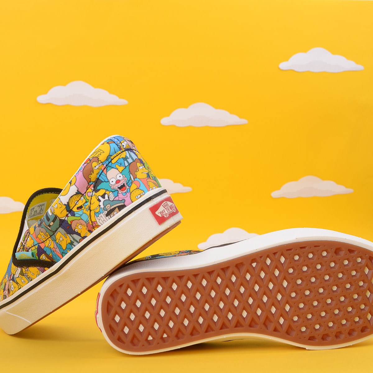 Tênis Vans The Simpsons Comfycush Slip On Springfield Multi VN0A3WMD1TJ