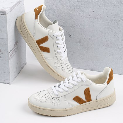Tênis Vert Shoes V-10 Leather Extra White Camel VX022652