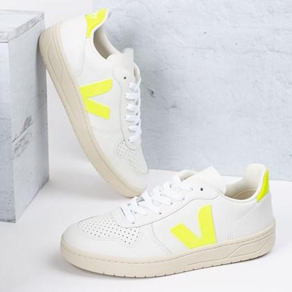 Tênis Vert Shoes V-10 Leather Extra White Jaune Fluo VX022086