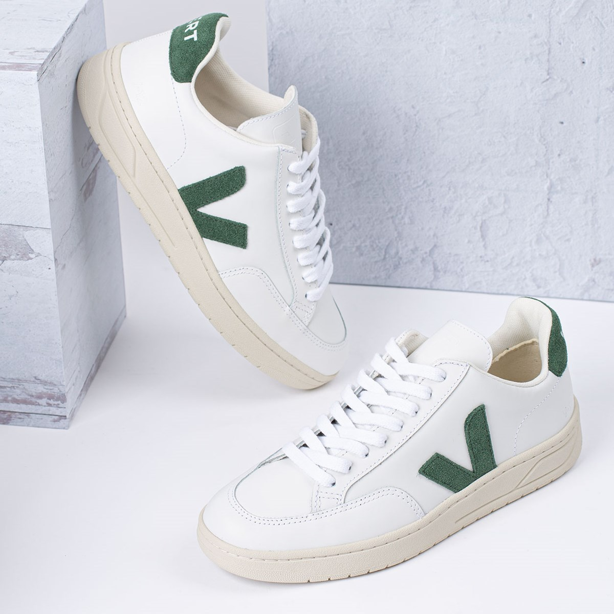 Tênis Vert Shoes V-12 Leather Extra White Cyprus XD022336