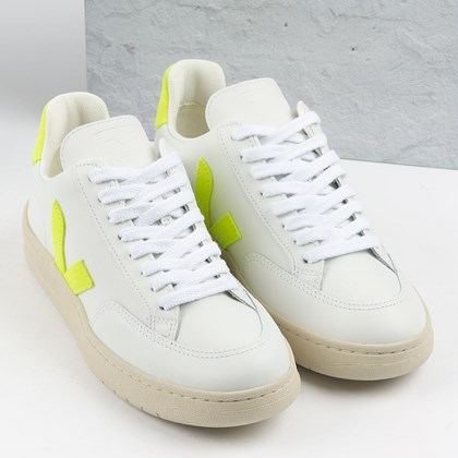 Tênis Vert Shoes V-12 Leather Extra White Jaune Fluo XD022649