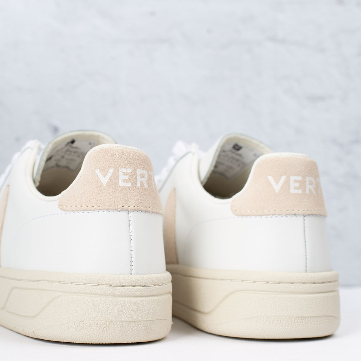 Tênis Vert Shoes V-12 Leather Extra White Sable XD022335